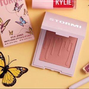 Kylie Cosmetics x STORMI- Flutter In Love | Blush